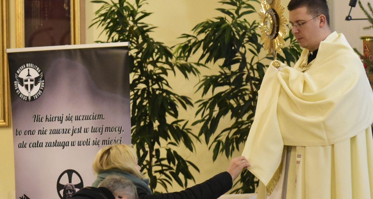 Wieczór Bożego Miłosierdzia i Nocna Adoracja w Czesławie